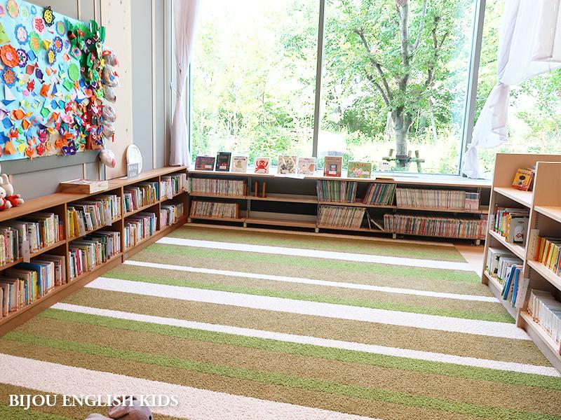 守山市立図書館 絵本スペース
